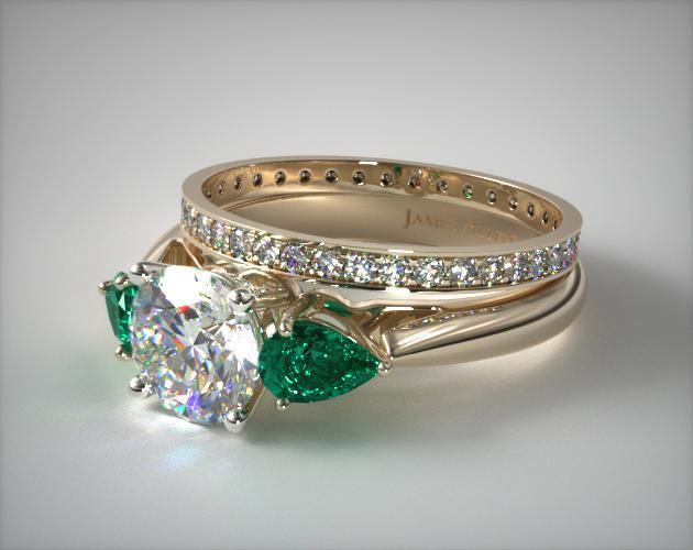 1116114019y 18k Yellow Gold 3 Stone Pear Emerald